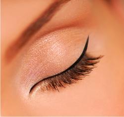 Comment combattre les rides du contour des yeux?