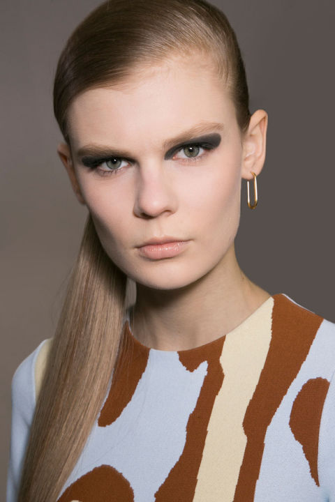 hbz-fw2015-trends-beauty-graphic-lines-dior-bks-a-rf15-1378